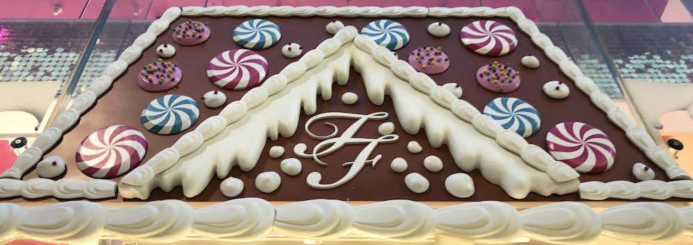 Too_Faced+Hello_Flamingo+Window_Display+VM+Beauty+Christmas+Gingerbread+LIverpool (4)