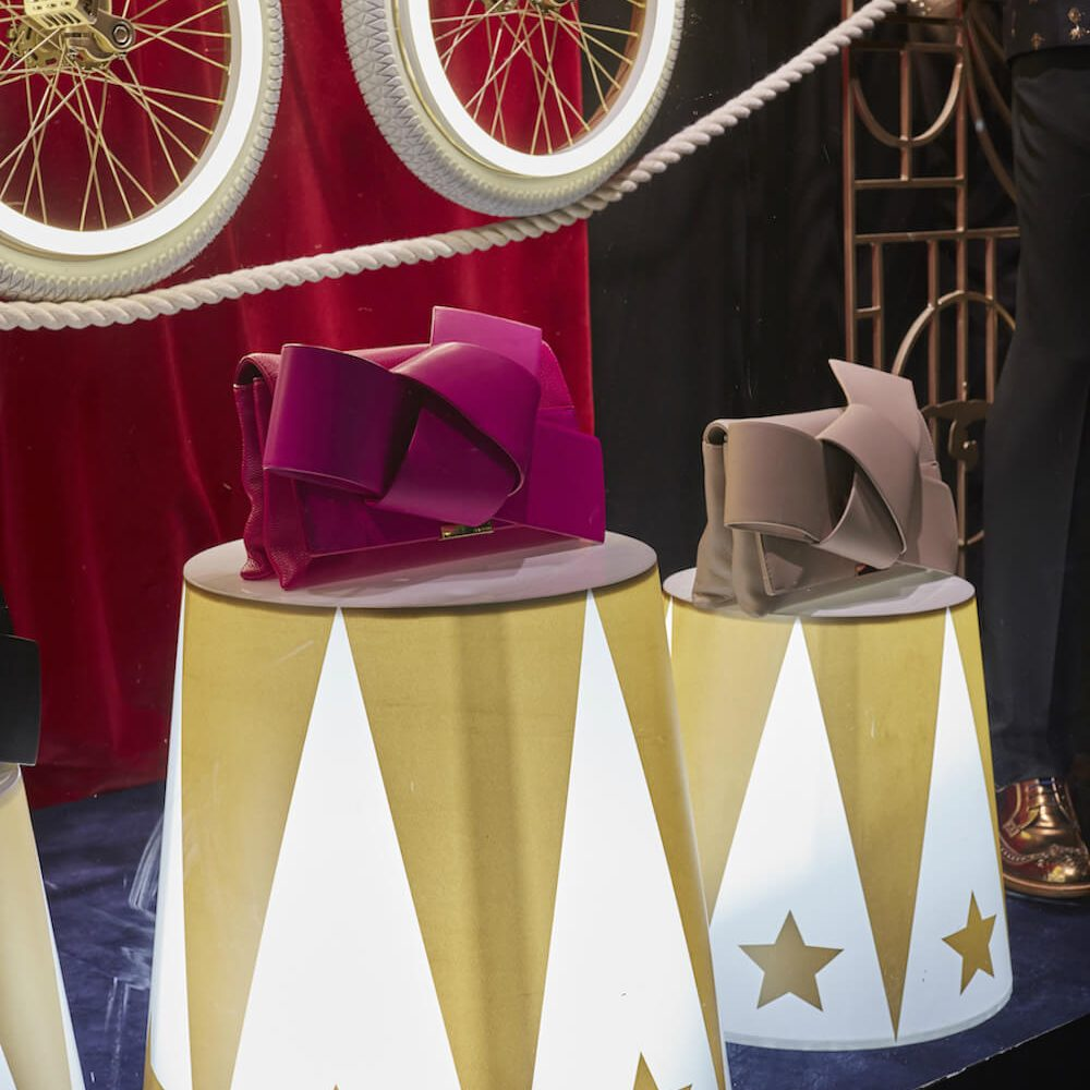 ted-baker-the greatest showman-selfridges-oxford-street-window display-bespoke prop manufacturer-visual merchandising (4)