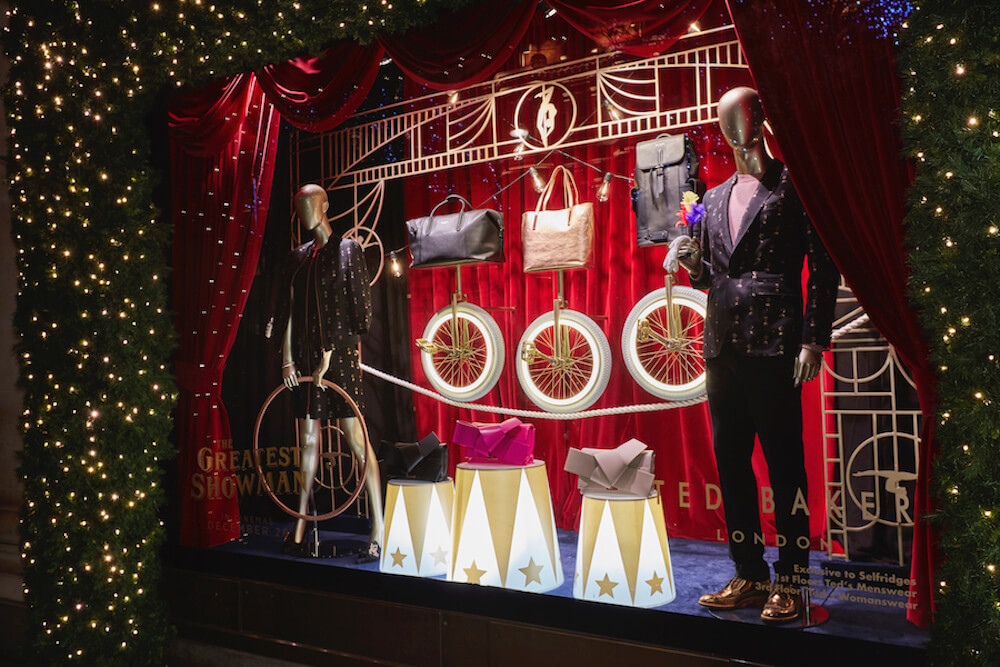 ted-baker-the greatest showman-selfridges-oxford-street-window display-bespoke prop manufacturer-visual merchandising (7)